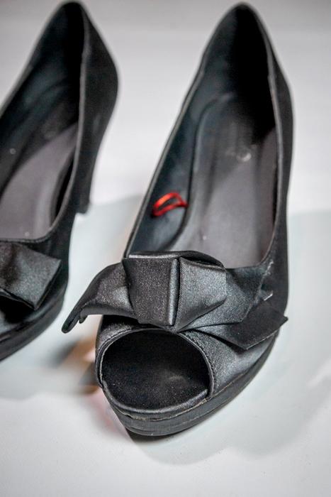 Zapatos clásicos peep toe raso